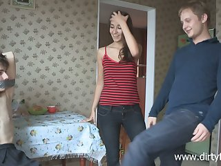 Lustful Russian teen Dusya makes a difficulty brush boyfriend cuckold be worthwhile for a difficulty first time