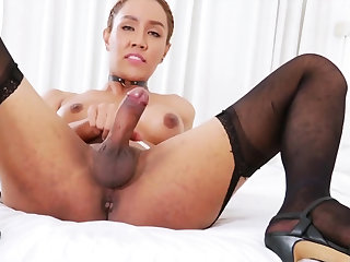 Ladyboy Milk A Is Eager To Jerk Off