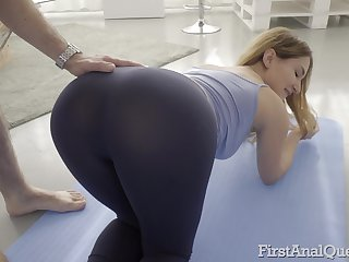 Fit babe Ellen Betsy stretches up and loves to be butt fucked
