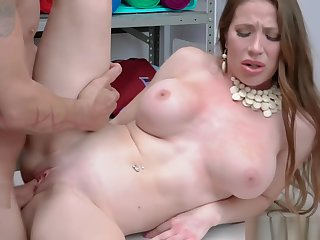 Big tittied MILF Bianca spread her hands for officer Rusty to fuck to avoid cops