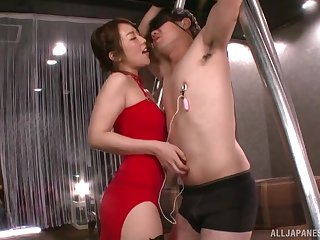 Dominant Japanese woman strips to with respect to cock in the exasperation