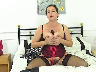 Tight auntie reveals some premium fuck solo scenes on cam