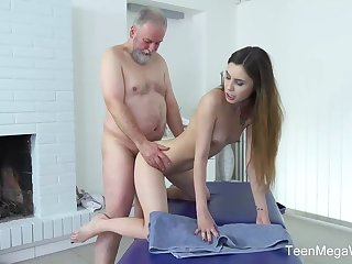 Frisky masseuse is going to bed twosome of the elderly clients seeing that he always gives her money be required of it