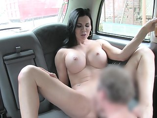 Sack-sucking Jasmine Jae screws their way cab driver in the car together with on the grass.