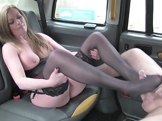 Married Holly Kiss fucked everywhere the back be required of the infamous Mandate Taxi