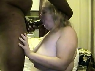 Mature BBW has fat tush