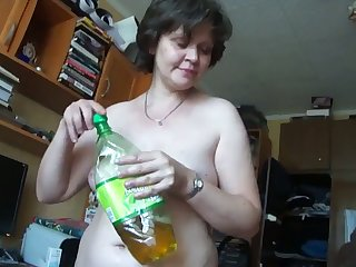 This mature Russian woman turns me on big time and she gives complying head