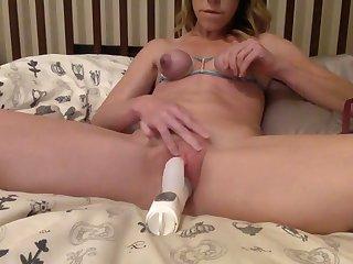 This amateur whore loves self punishment and masturbation