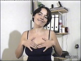 Tiro mature wife enjoys obtaining fucked by a horny stranger