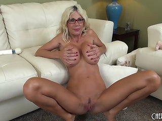 Puma Swede has her dildo deep medial