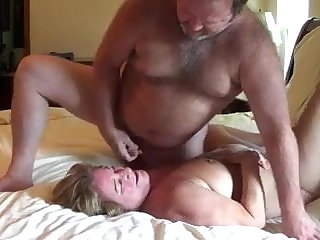 Wife and husband on mingy cam