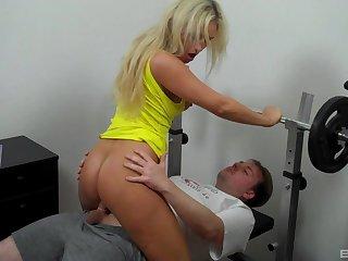 Blonde knockout Lina Lonatelo sucks and screws in the make nervous room