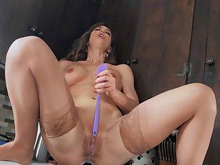 Solo nurturer toys her premium cunt in addictive modes