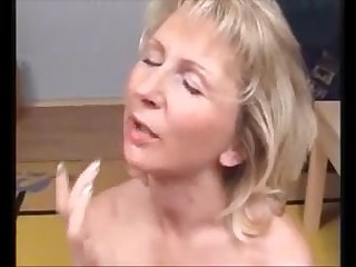 This very hot old lady like to get facial and cum in mouth