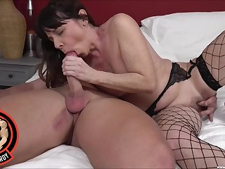 Full bedroom sex be beneficial to a mature in despondent fishnets