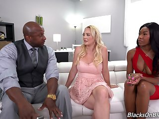 Black dude fucks his GF Nadia Fribble increased by down in the mouth blonde Paisley Transporter
