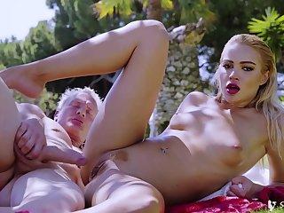 Cherry Kiss - Bikini Model Hot Sex Pic