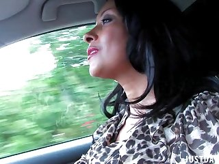 Dirty get hitched Danica Collins loves flashing will not hear of soul while driving