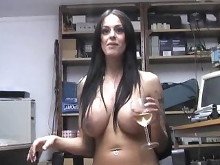 Provocative slut Victoria Brown enjoys fisting will not hear of juicy cunt