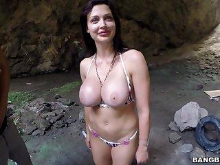 Wild outdoors fucking with hot ass pornstar Aletta Ocean in outdoors